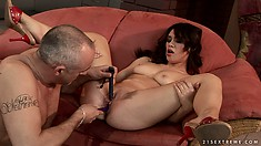 Big vibration machine provides a lot of happiness for nasty girl