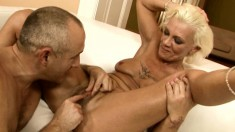 Wild mature Orhidea has a guy taking her cunt to climax with sex toys